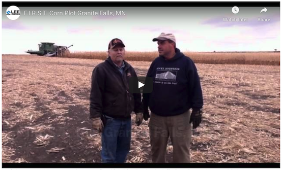 Mark Querna, F.I.R.S.T. manager Minnesota talks with Keith Beito, Granite Falls about the F.I.R.S.T. corn trial 2011.